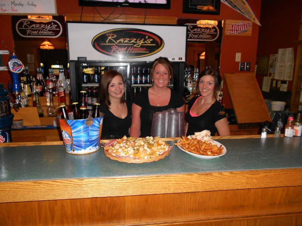 Razzy's Road House Servers and Food